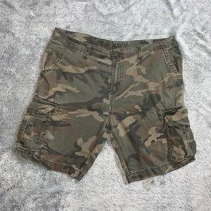 Old Navy Camo Cargo shorts size 40W